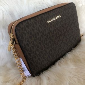 New MK Jet Set Large Crossbody